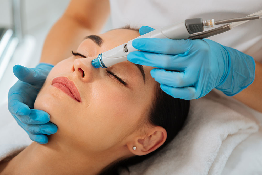 Achieve the Summertime Glow with HydraFacial
